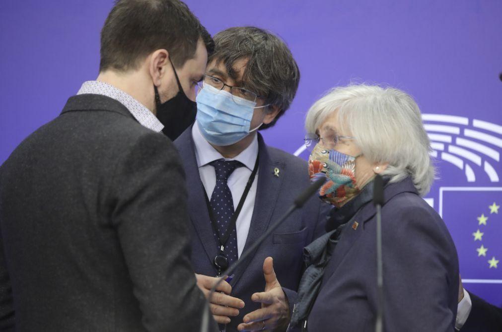 Parlamento Europeu levantou a imunidade a independentista catalão Puigdemont