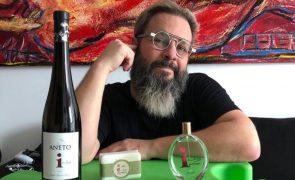 Perfume e sabonete femininos com notas de vinho