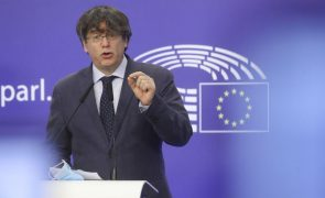 Puigdemont vai recorrer do levantamento da imunidade junto de tribunal europeu
