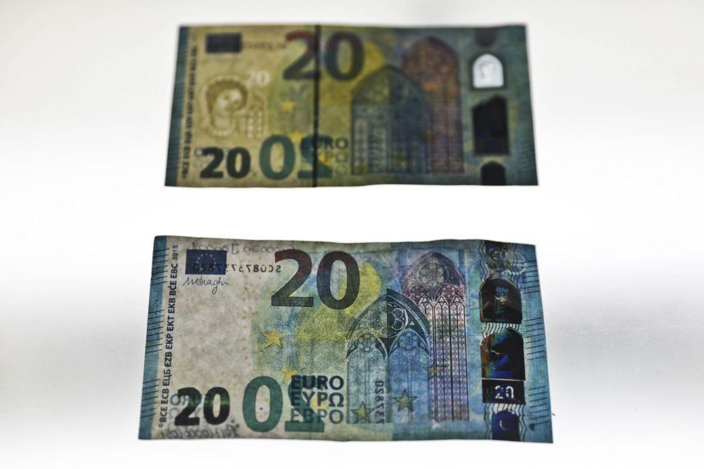 Euro sobe e interrompe ciclo de quatro sessões em queda
