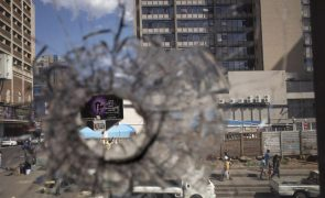 Protesto violento de estudantes em Joanesburgo faz um morto