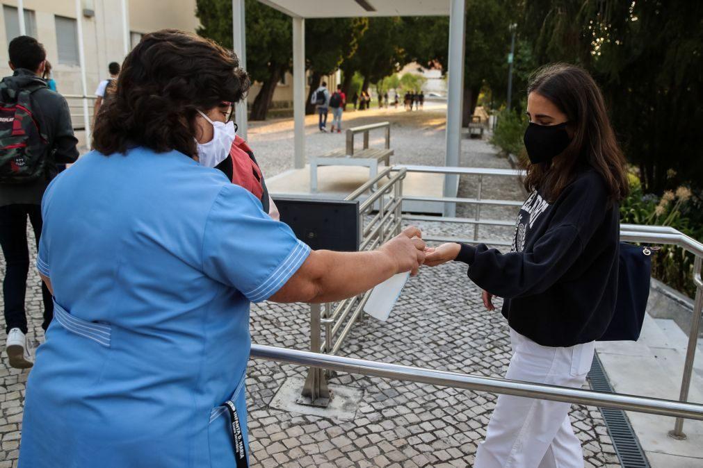 Covid-19: Professores, pessoal não docente e pessoas com trissomia 21 prioritários na vacina