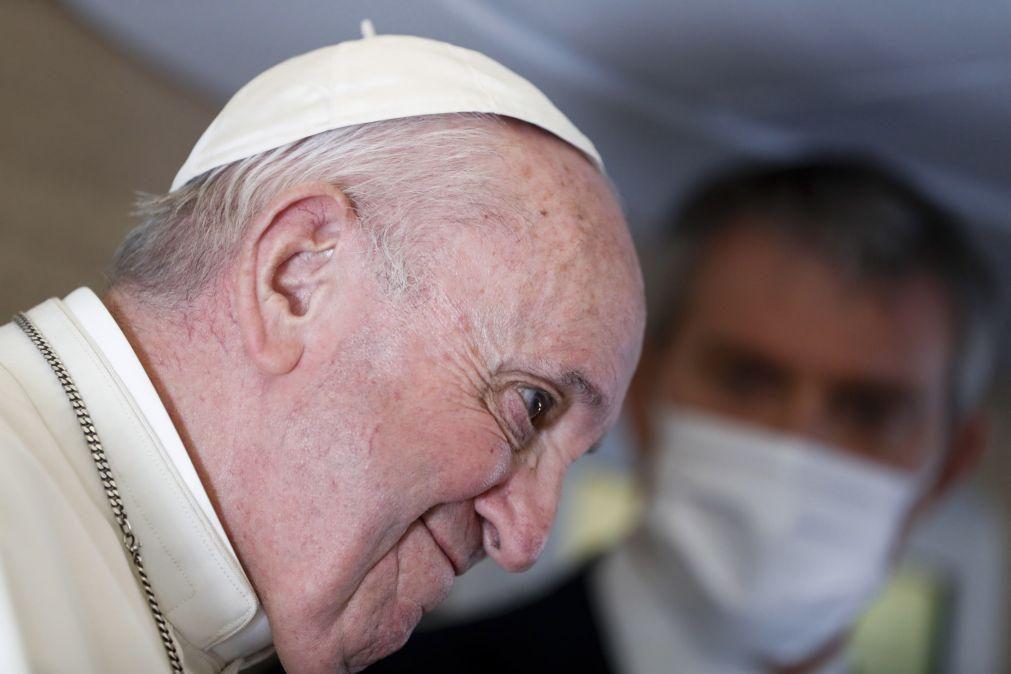Papa declara-se