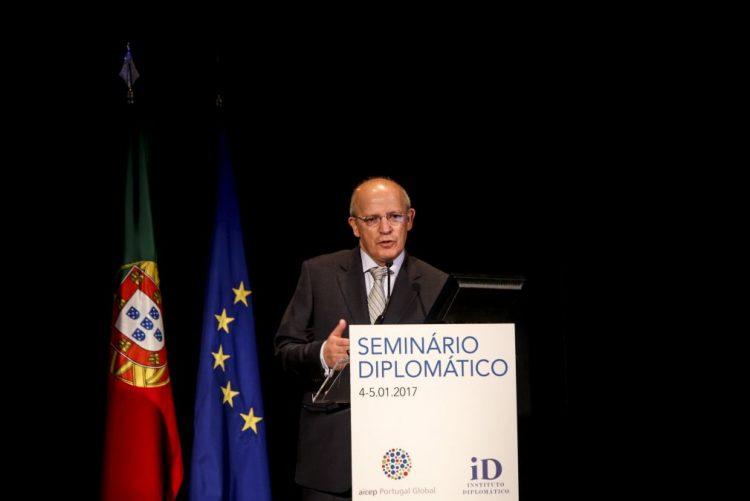 Governo admite queixa contra Espanha por causa de novo armazém em Almaraz