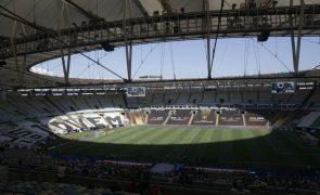 Aprovada lei que rebatiza estádio brasileiro do Maracanã com nome