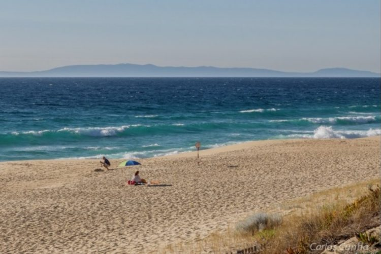 Surfista morre em praia da Costa da Caparica