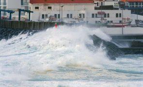 Autoridade Marítima alerta para agravamento da agitação marítima na quinta-feira