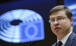Bruxelas insiste que PRR contenham contributos das consultas públicas
