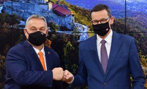 Polónia e Hungria contestam na justiça mecanismo que condiciona fundos europeus