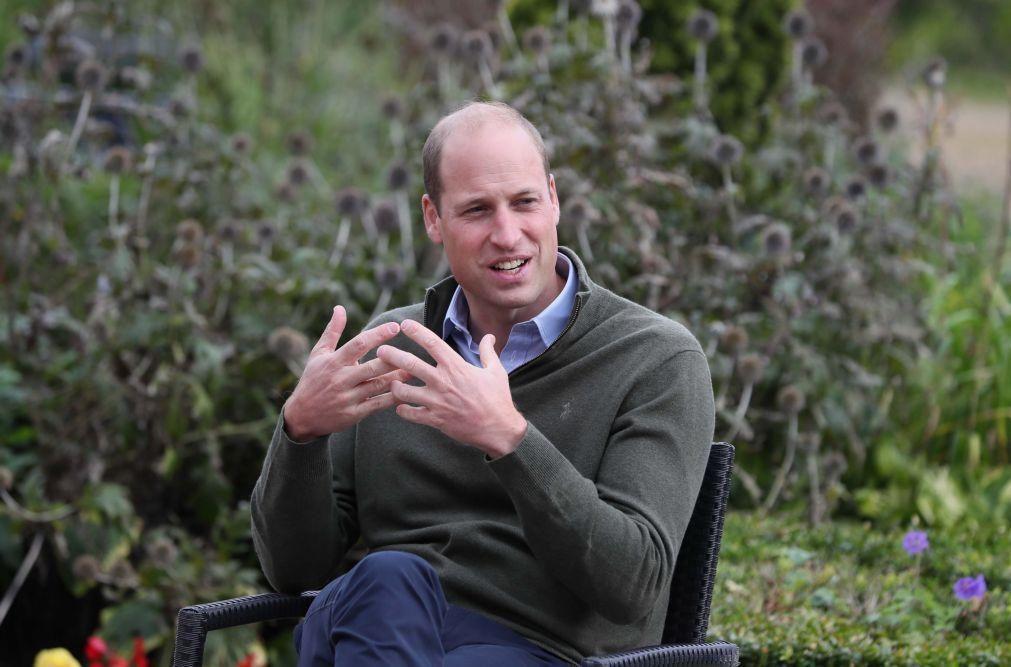 Príncipe William garante que família real