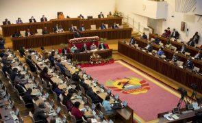 Covid-19: Partido no poder em Moçambique saúda gestão, oposição pede transparência