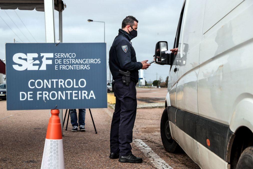 Covid-19: Mantêm-se fechada fronteira com Espanha e restrições nos voos