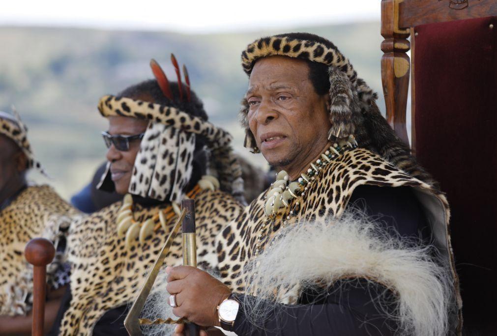 Rei Zulu Goodwill Zwelithini morre aos 73 anos na África do Sul