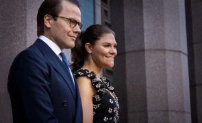 Covid-19 Princesa Victoria da Suécia e Daniel Westling estão infetados