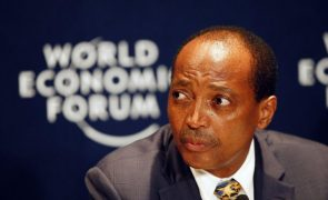 Sul-africano Patrice Motsepe eleito presidente da CAF