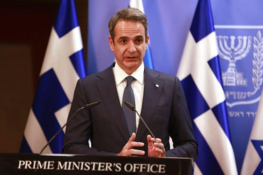 PM grego promete medidas para reduzir violência policial