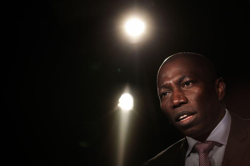 Reportagem: Líder do PAIGC aterra em Bissau com forte dispositivo policial a controlar