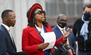 Família de afro-americano George Floyd indemnizada em 22 milhões de euros