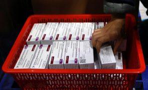 Covid-19: AstraZeneca anuncia novos atrasos na entrega da vacina à UE