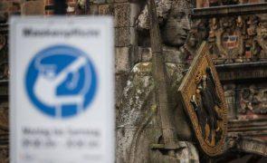 Covid-19: Alemanha regista 239 mortes e 12.674 novos casos em 24 horas