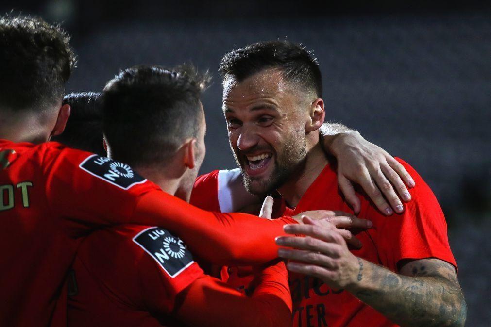 Benfica 'vinga-se' do Boavista com 'bis' de Seferovic e iguala FC Porto
