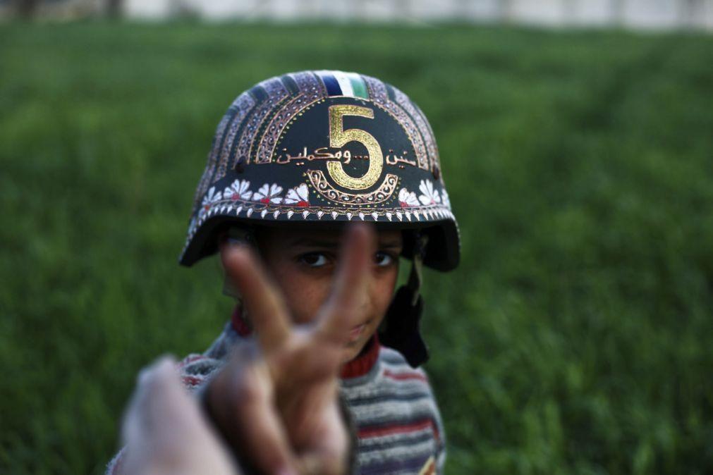 Dez anos de guerra na Síria e a paz continua distante