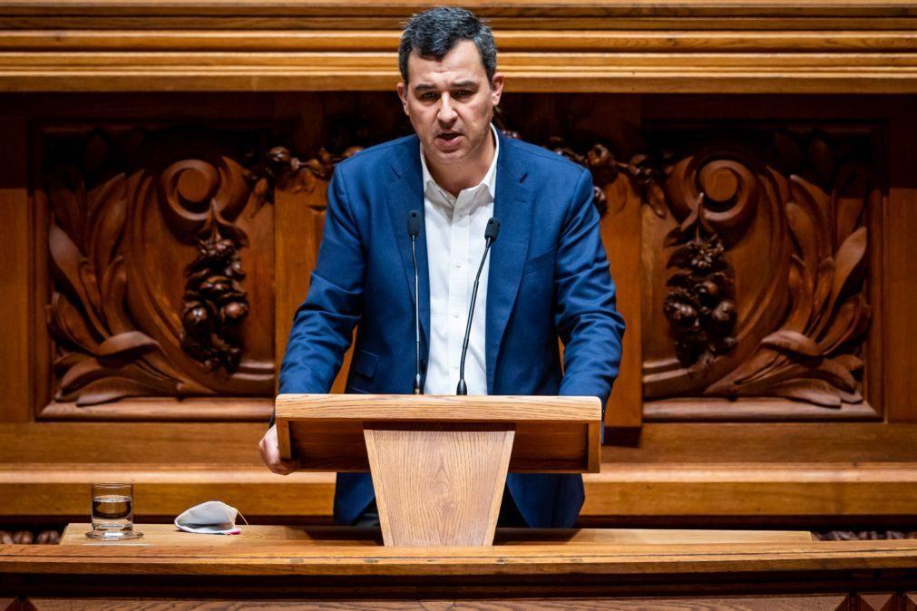 André Silva anuncia que sai de porta-voz do PAN, do parlamento e da vida política