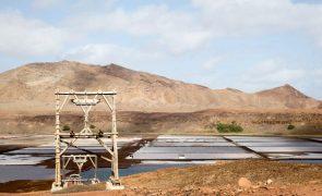 Salinas na cratera do vulcão em Cabo Verde querem ser património da UNESCO