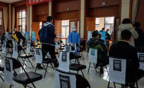 Covid-19: China já administrou 65 milhões de doses de vacina