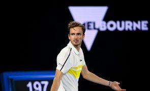 Daniil Medvedev faz história e João Sousa sai do 'top 100' mundial de ténis