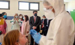 Covid-19: Ministro da Educação diz que segunda fase da testagem nas escolas é