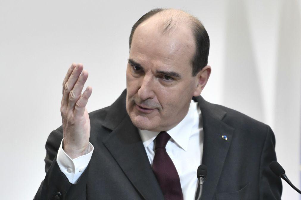 Covid:19: Primeiro-ministro francês quer tomar vacina da AstraZeneca para dar confiança
