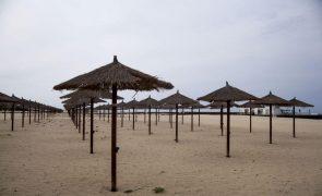 Covid-19: Pandemia chegou a Cabo Verde há um ano mas só o próximo inverno pode trazer dias melhores