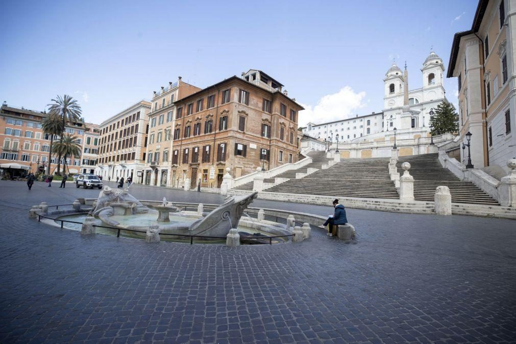 Covid-19: Itália com 23.000 novos casos e mais de sete milhões de vacinas administradas