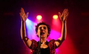 Poesia de Francisco Rodrigues Lobo inspira novas canções de Rita Redshoes