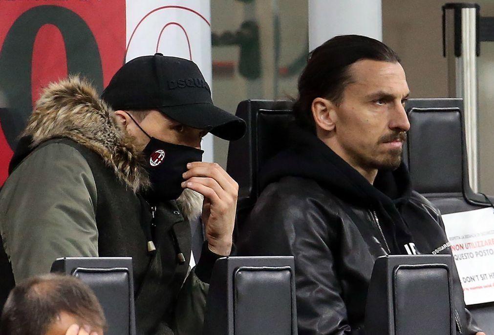 Ibrahimovic diz que regressa à seleção pelo que tem feito nos últimos meses