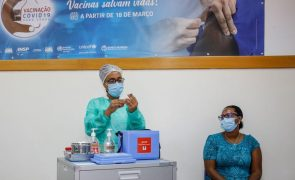 Covid-19: Enfermeira foi a primeira a ser vacinada em Cabo Verde