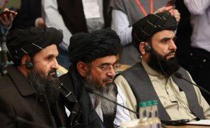 Afeganistão: Rússia exorta Cabul e talibãs a evitaram mais atrasos nas negociações de Doha