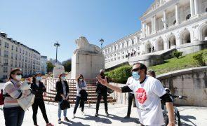 Professores manifestaram-se na Assembleia da República contra atual concurso