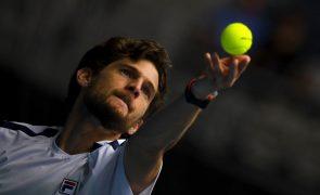 Tenista Pedro Sousa perde na segunda ronda do Challenger de Santiago