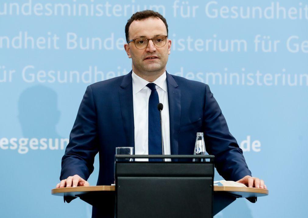 Covid-19: Alemanha retoma na sexta-feira vacinação com AstraZeneca