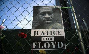 Floyd: Juiz nega pedido para adiamento de julgamento de ex-polícia
