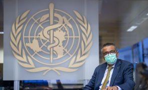 Covid-19: OMS preocupada com aumento de infeções pela quarta semana consecutiva