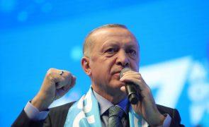 Turquia abandona um tratado europeu para prevenir violência contra mulheres