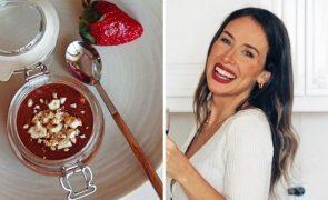 Júlia Belard ensina a fazer mousse de chocolate, avelã e morango sem açúcar