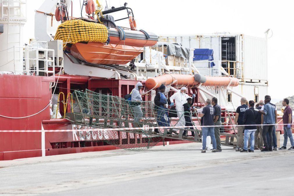 Mais de 100 migrantes socorridos no Mediterrâneo ao largo da Líbia