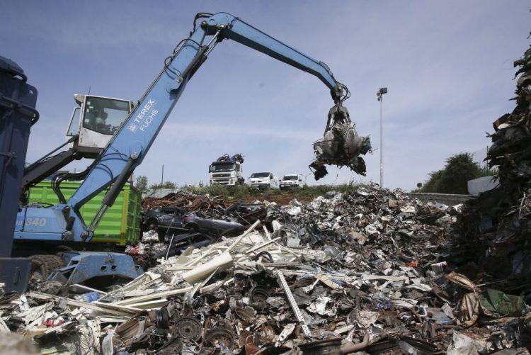 Autoridades nacionais negam desarticulação no caso do lixo vindo de Itália
