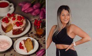 Bolo de Maracujá com Iogurte de Framboesas A receita saudável de Vanessa Alfaro que vai querer devorar!