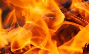Recluso incendeia cadeia de Braga e fica gravemente queimado