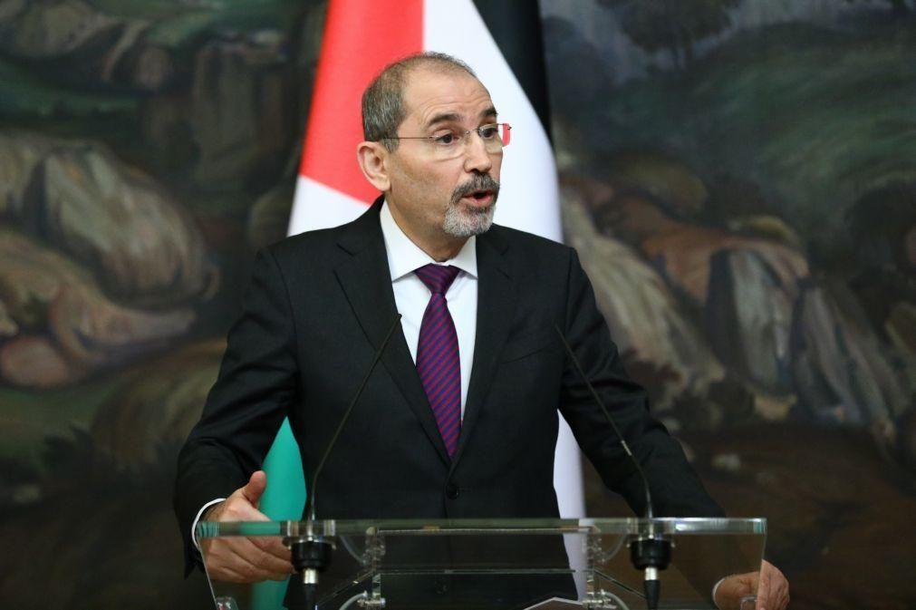 Jordânia assinou acordo de defesa que dá livre movimentação aos Estados Unidos